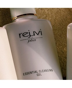 Essential Cleansing Gel (200 ml.)